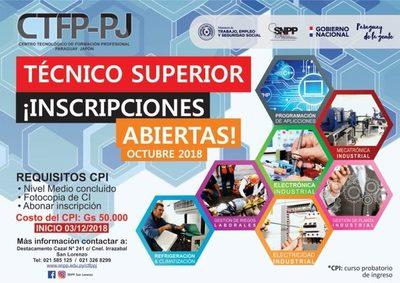 Cursos de tecnicatura superior en el SNPP de San Lorenzo