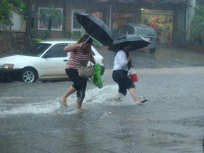 Lluvias y tormentas afectarían a cinco departamentos del país