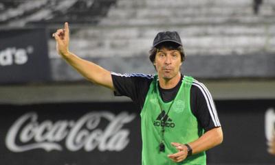 DT de Olimpia pide mantener plantel y contratar 4 refuerzos