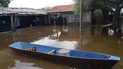 HOY / Ñeembucú, cada día más afectado por la crecida del río