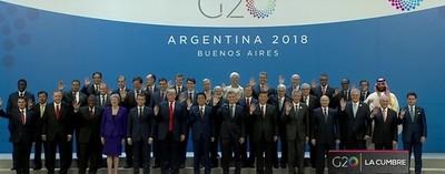 """Cumbre Mundial: """"Foto Familia"""" de los 36 lideres"""