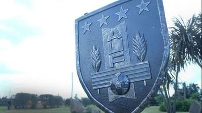 Fútbol uruguayo aprueba estatuto solicitado por FIFA y Conmebol