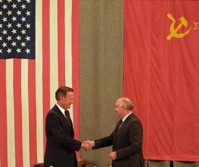 Un día como hoy, pero en 1991, se daba fin a la Guerra Fría