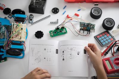 Curso de Robótica para niños en ACADEMO – Prensa 5