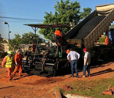 Inician capa asfaltica en Campo 9