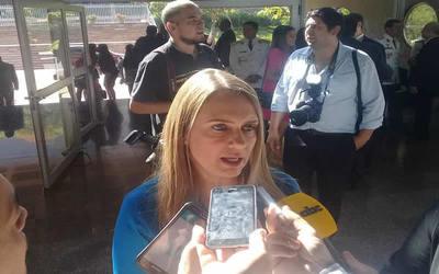 Diputada criticó negociaciones de cupos en caso TSJE