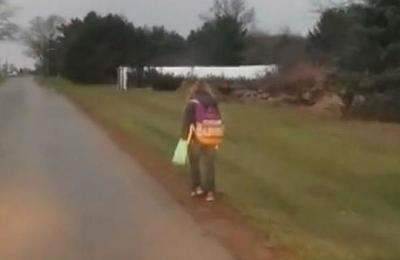 Padre descubrió que su hija hacía bullying en el colegio y su castigo se hizo viral