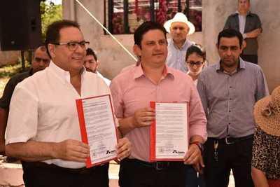 Municipalidad de Juan E. Estigarribia e ITAIPU binacional firman convenio – Prensa 5