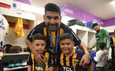 HOY / Central rompe la mufa y levanta la Copa Argentina