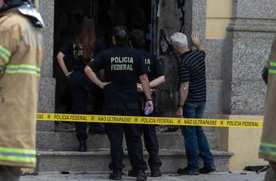 Al menos 13 muertos en un tiroteo en un intento de atraco a dos bancos en Brasil