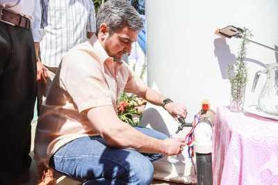 Presidente inaugura sistema de agua potable en Colonia Independencia