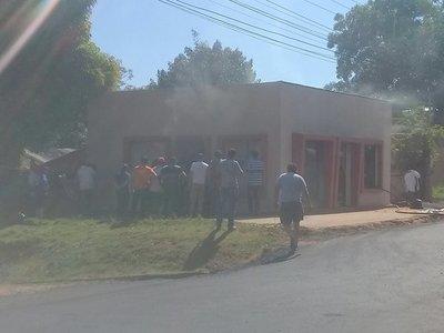 Incendio de vivienda en Campo 9
