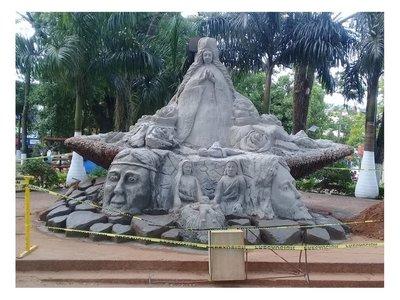 Virgen de arena es la atracción de los peregrinos en Caacupé