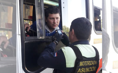 Realizan prueba de alcotest a conductores de ómnibus