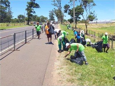 Caacupé: Retiran 25.000 kilos de basura en dos kilómetros