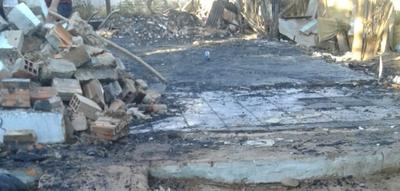 Incendio consumió humilde vivienda de Villa Clarita – Prensa 5