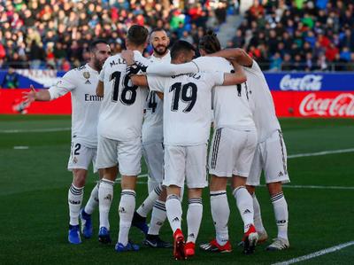 Real Madrid derrota a Huesca pidiendo la hora