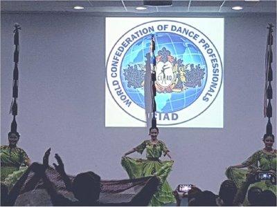 Bailarines paraguayos ganan reconocimientos en Brasil