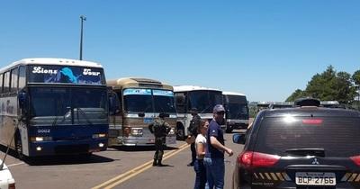Cuatro ómnibus de turismo fueron retenidos durante Operación Muralla