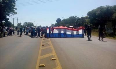 Hoy continúa manifestación en el cruce a Santa Maria