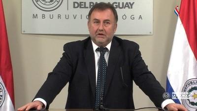 Ministro de Hacienda insta a la ciudadanía a pedir facturas al realizar compras