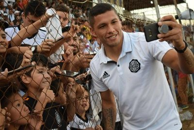 Ortiz renovó hasta 2022
