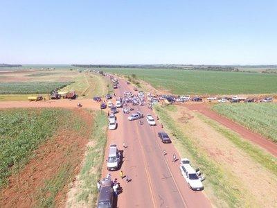 Con cierre de ruta exigen distritación y asfalto