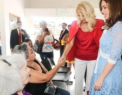 Primera Dama de Montenegro visitó Ciudad Mujer