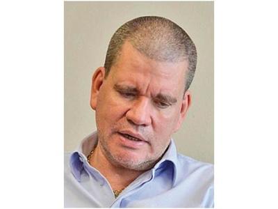 Barrios sugiere a Cartes no ir a comisión