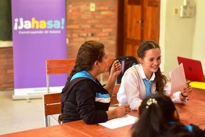 Capacitaran a 4.000 jóvenes en materia de inclusión financiera y económica