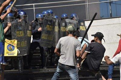 Incidentes frente al Congreso
