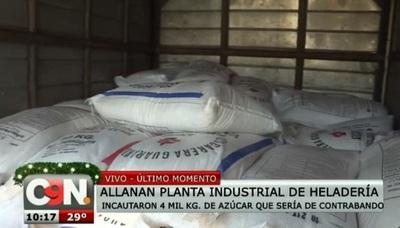 Incautan 4.000 kilos de azúcar de contrabando en conocida heladería