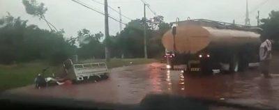 Reducto: ¿Si llueve como hacen para llegar con ambulancia al hospital?