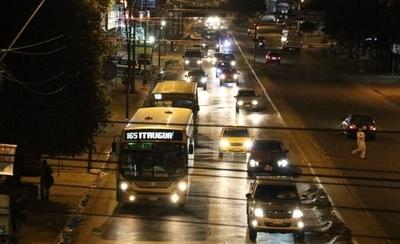 HOY / Buses nocturnos desde el lunes: cada 30 a 40 minutos, 5 líneas trabajarán hasta las 03:00 AM