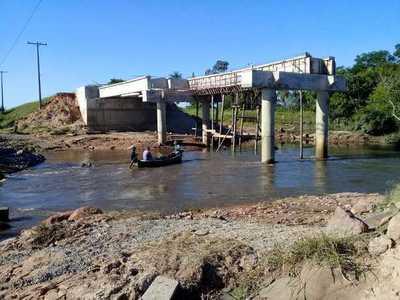 Poblaciones rurales de Concepción sufren por obras viales sin terminar