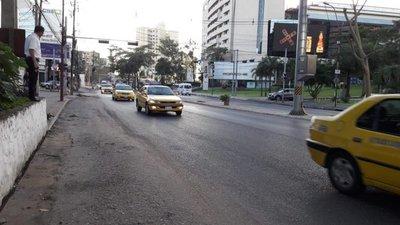 Taxistan piden que 'muvers' cumplan mismos reglamentos
