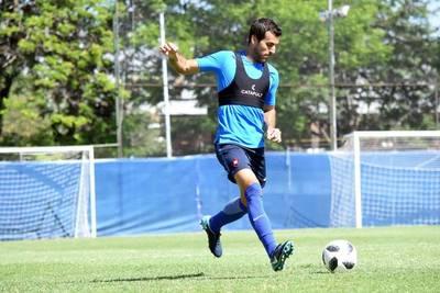 Raúl Cáceres tiene oferta para salir de Cerro Porteño