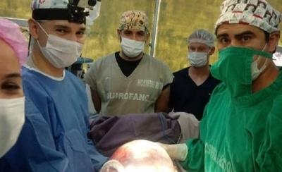 HOY / Extirpan un tumor de ovario que pesaba 9 kilos