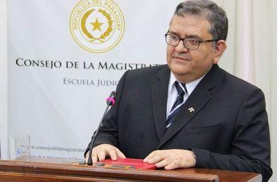 Köhn Gallardo renuncia a su candidatura a ministro
