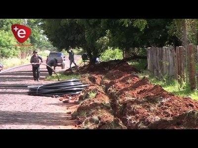 EXTIENDEN RED DE DISTRIBUCIÓN DE AGUA EN EL B° SAN ANTONIO