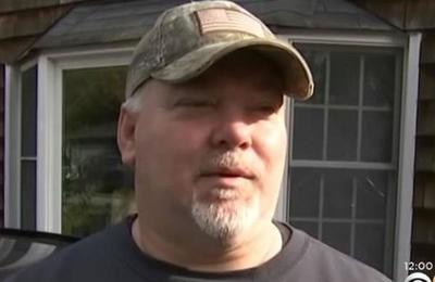 Hombre pensó por 57 años que su padre lo había abandonado y ahora descubrió la escabrosa verdad