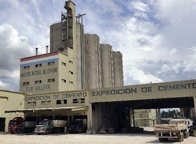 Denuncian exagerada espera para retirar cemento