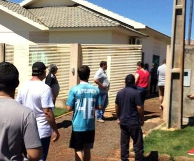 Matan a puñaladas a brasileña en Santa Rita en extrañas circunstancias