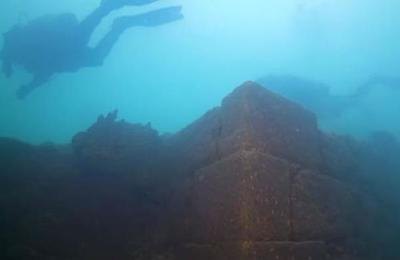 El misterioso castillo de más de 3.000 años sumergido descubierto en un lago en Turquía