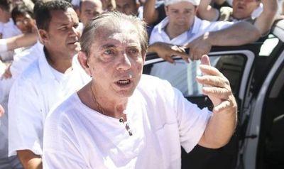Se entrega curandero brasileño acusado de agresiones sexuales