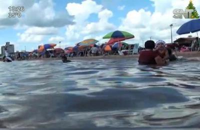 Playa San José atrae miles de turistas en verano