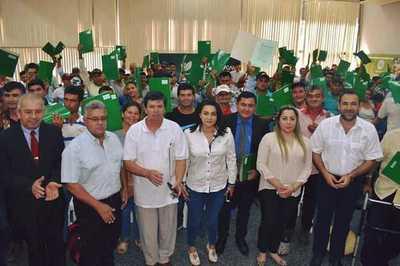 Campesinos estafados por exfuncionarios del CAH recibieron la cancelación de sus deudas