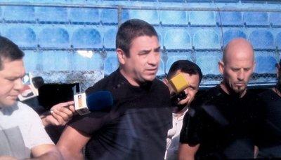 Presentan al Pepe con Sasá en el plantel