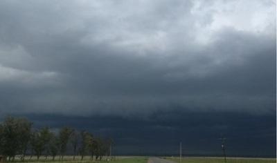 Meteorología amplía alerta por tormentas