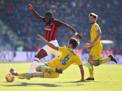 Milan no puede con el Frosinone y agudiza su crisis